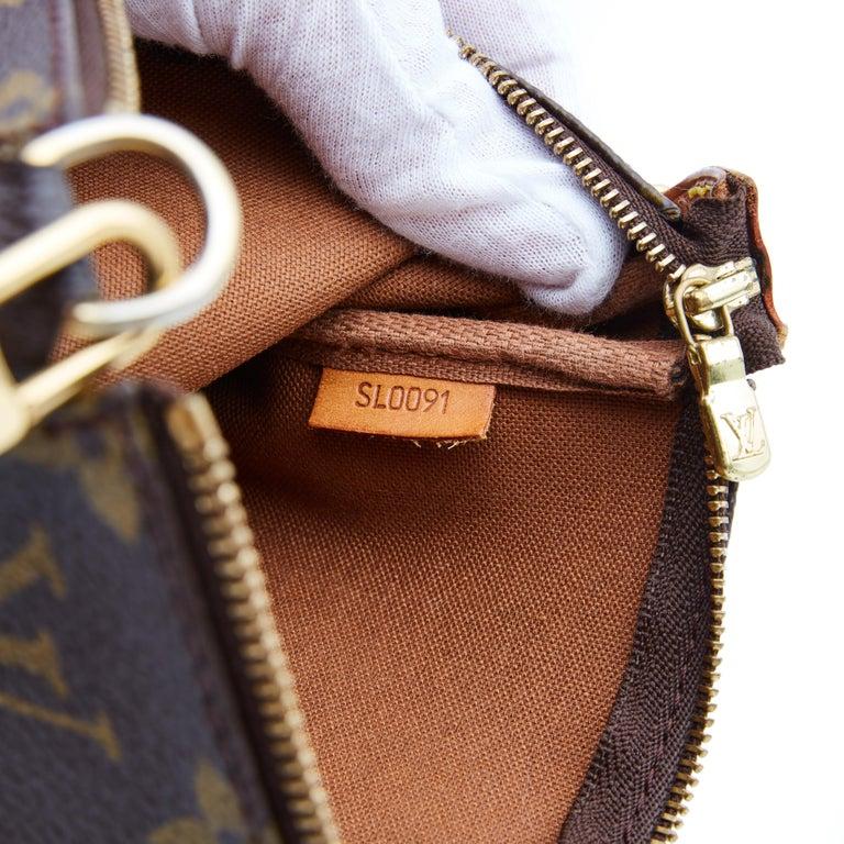Louis Vuitton Monogram Pochette Accessories Bag 2001 For Sale 2