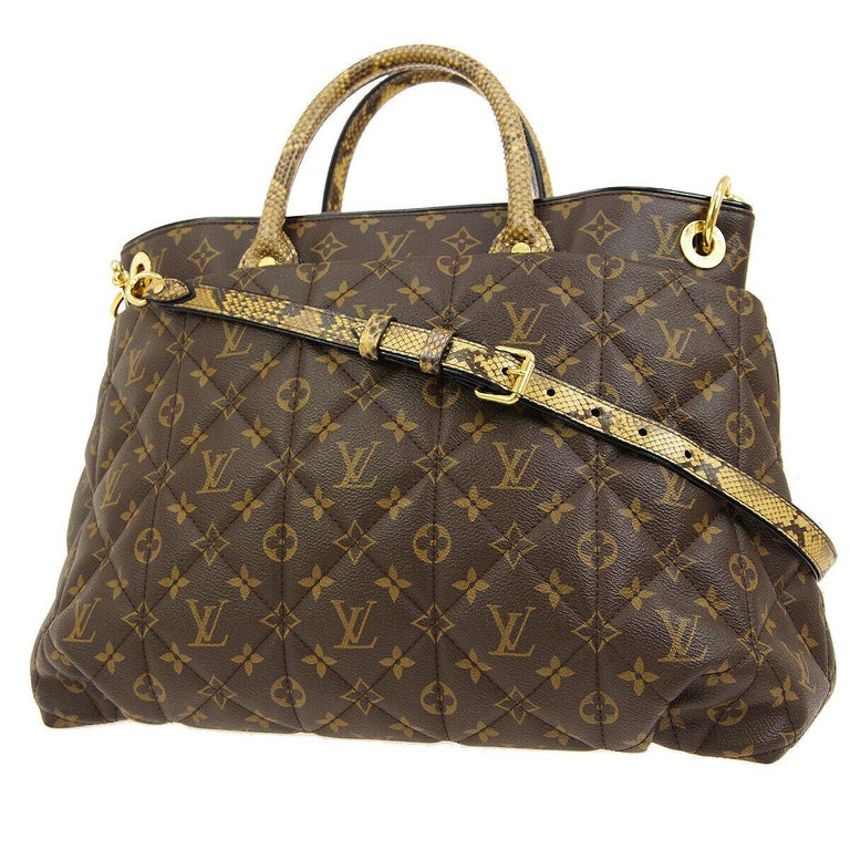 Louis Vuitton Monogram Python Large Men's Carryall Top Handle Tote Shoulder Bag In Good Condition For Sale In Chicago, IL