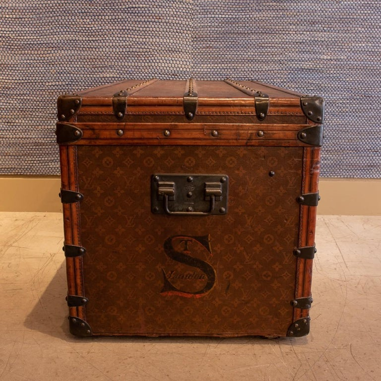 Louis Vuitton Monogram Steamer Trunk, circa 1905 In Good Condition For Sale In London, GB