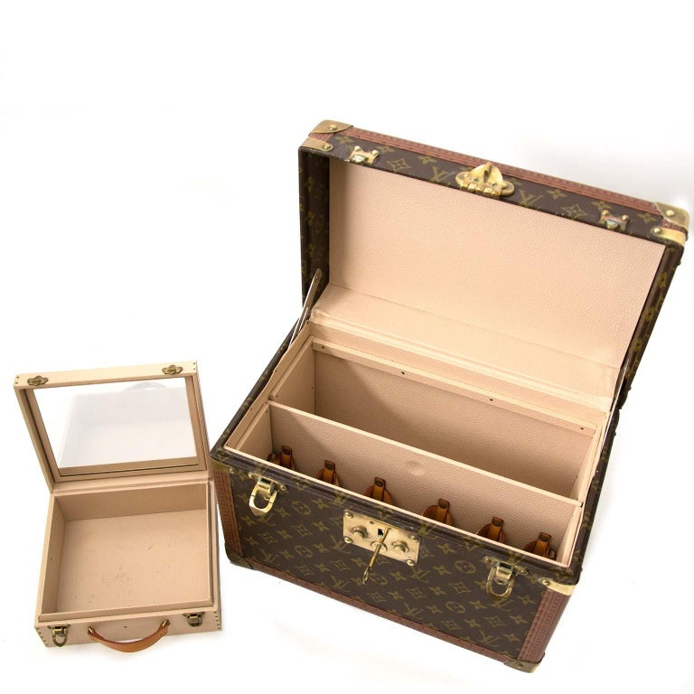 online retailer a54bd 84203 Louis Vuitton Monogram Travel Trunk Case