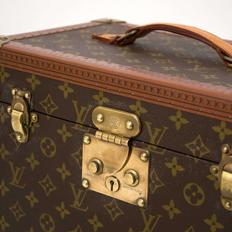 Louis Vuitton Monogram Travel Trunk Case In Good Condition For Sale In Antwerp, BE