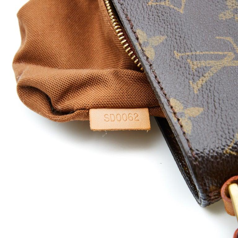 Louis Vuitton Monogram Troutter Shoulder Bag For Sale 1
