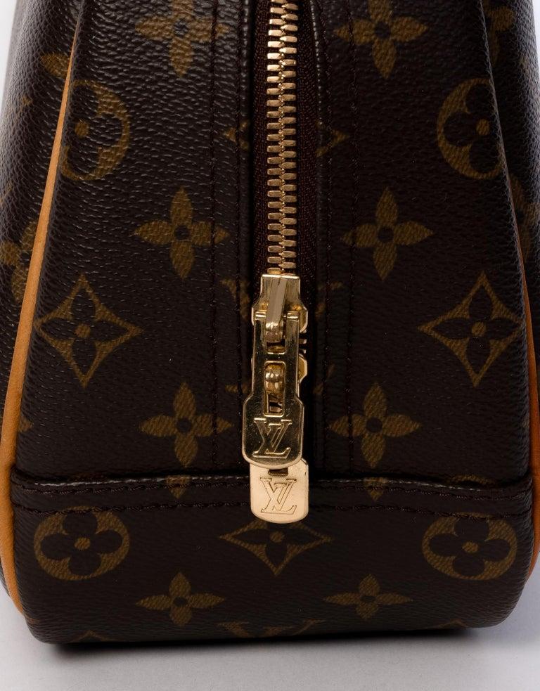 Women's or Men's Louis Vuitton Monogram Trouville Bag For Sale
