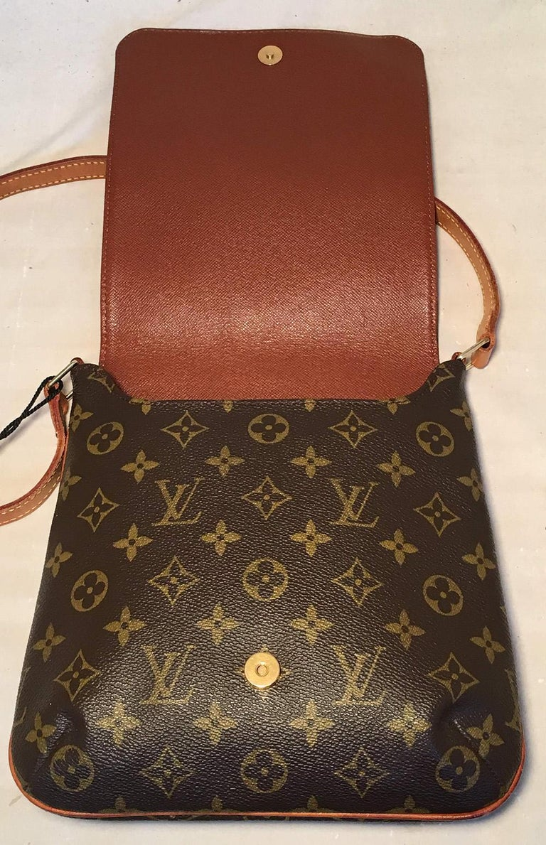 Women's Louis Vuitton Monogram Vintage Customized Hand Painted Pink Flower Musette Salsa For Sale