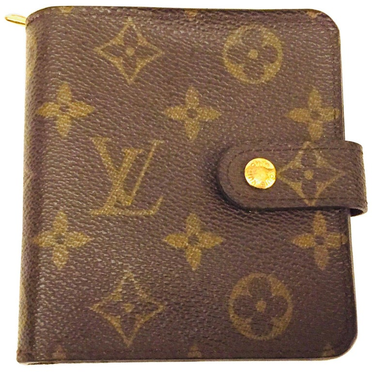 Louis Vuitton monogram wallet  For Sale