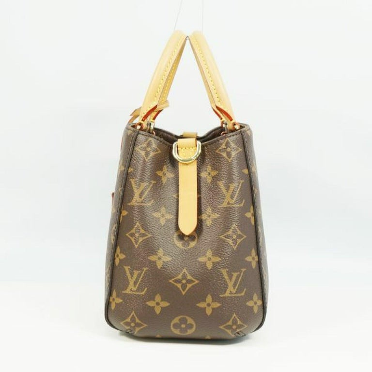 An authentic LOUIS VUITTON MontaigneBB Womens handbag M41055 The outside material is Monogram canvas. The pattern is MontaigneBB. This item is Contemporary. The year of manufacture would be 2019. Rank A Good Condition There are little bit signs of