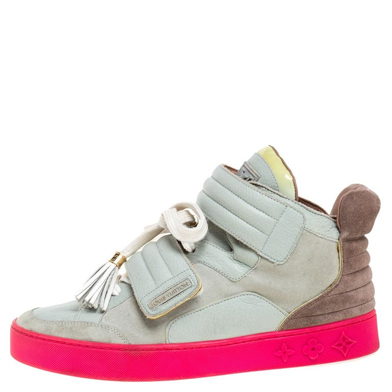 First introduced in 2009, the Jasper style is an incredibly rare collaboration between American rapper Kanye West and luxury fashion house Louis Vuitton. These contemporary sneakers feature a high-top silhouette with premium suede and leather