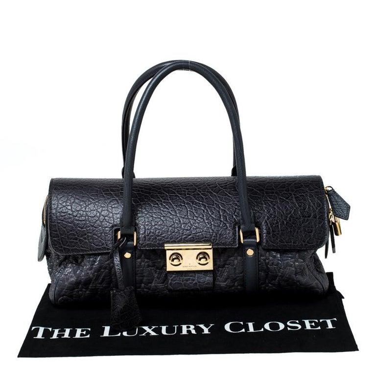 Louis Vuitton Navy Blue Gris Monogram Limited Edition Volupte Beaute Bag For Sale 8
