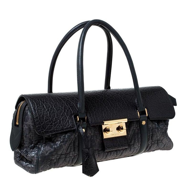 Louis Vuitton Navy Blue Gris Monogram Limited Edition Volupte Beaute Bag In Good Condition For Sale In Dubai, Al Qouz 2