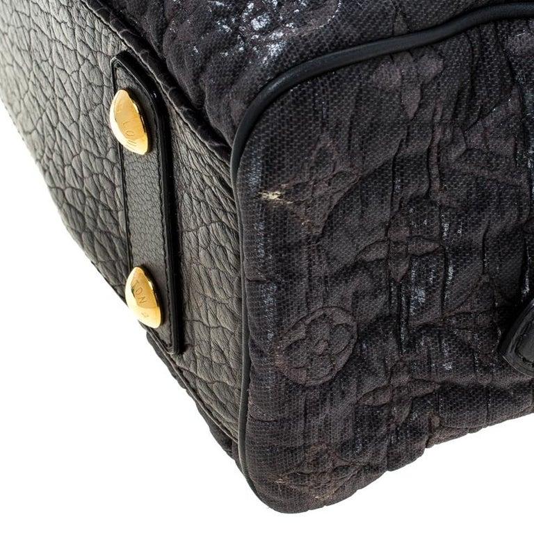 Louis Vuitton Navy Blue Gris Monogram Limited Edition Volupte Beaute Bag For Sale 2