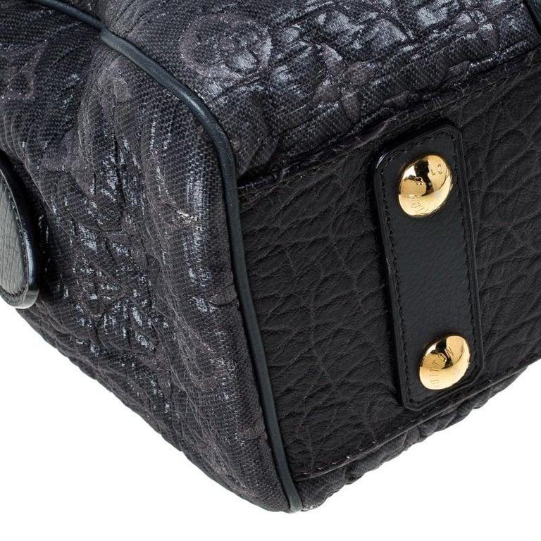 Louis Vuitton Navy Blue Gris Monogram Limited Edition Volupte Beaute Bag For Sale 3