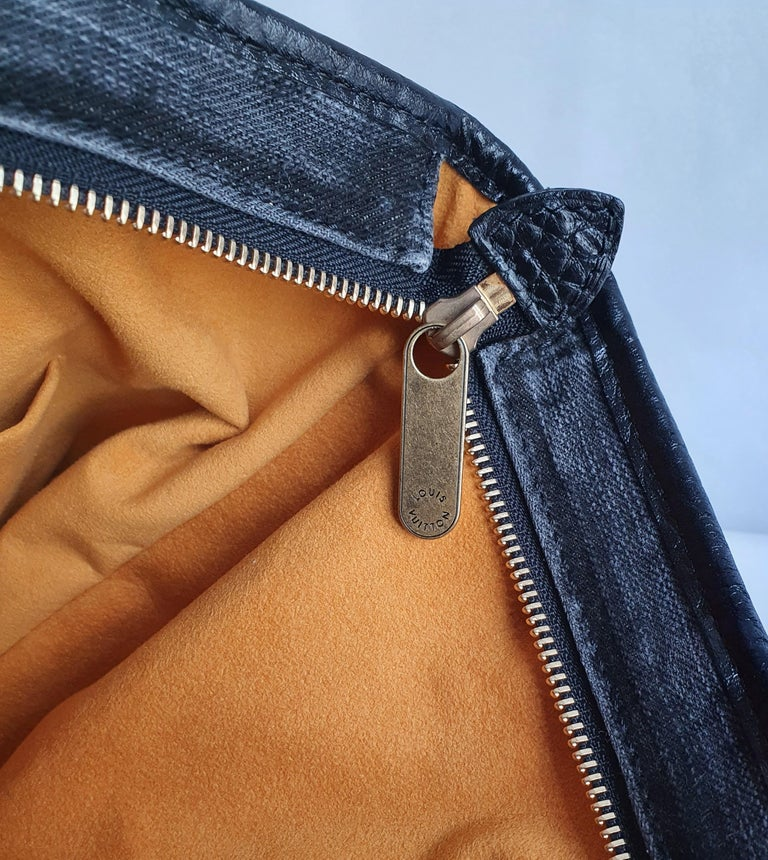 Louis Vuitton, Neo Gaby in grey Denim For Sale 6