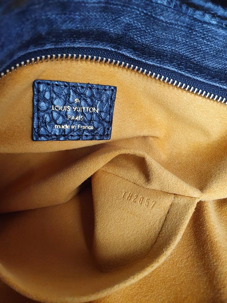 Louis Vuitton, Neo Gaby in grey Denim For Sale 1