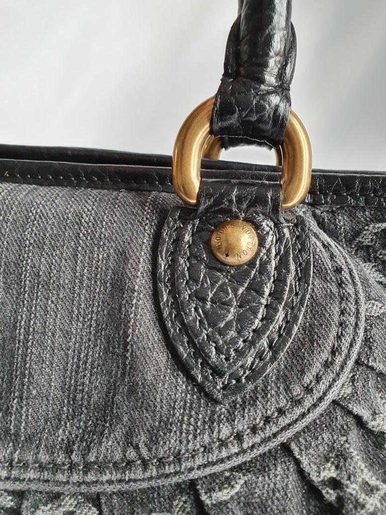 Louis Vuitton, Neo Gaby in grey Denim For Sale 4