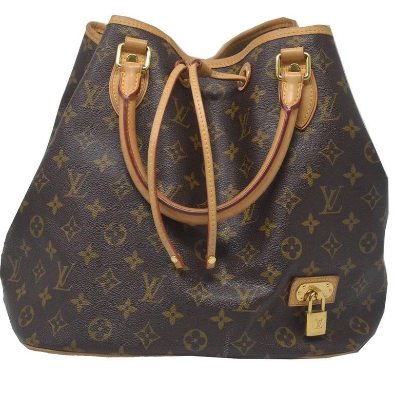 e966b69beda3 Louis Vuitton NEO Monogram Canvas Bucket Handbag at 1stdibs