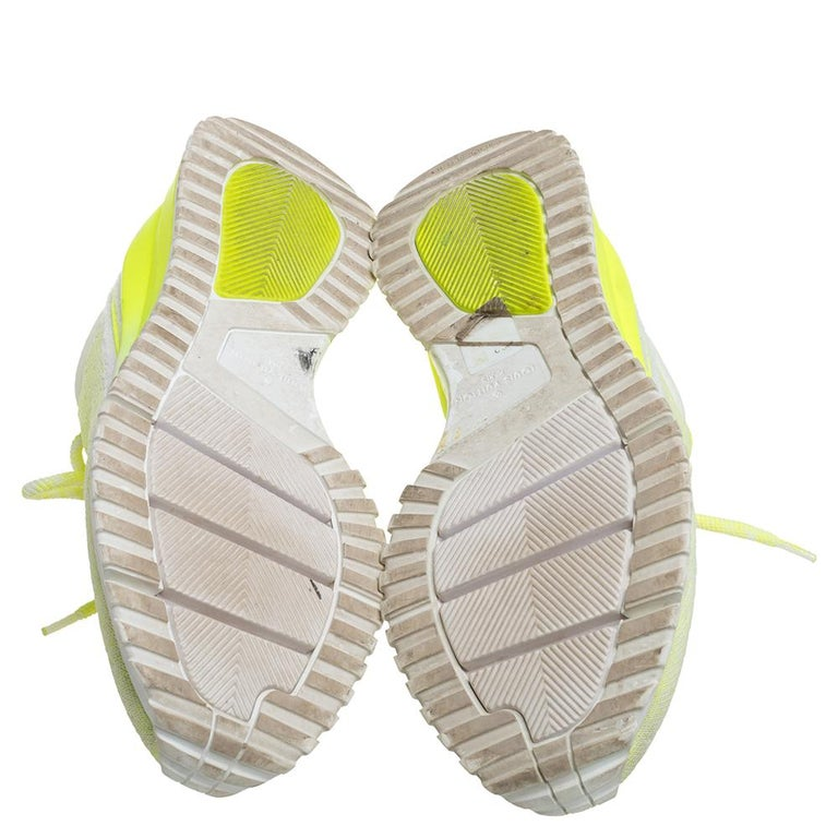 Louis Vuitton Neon Yellow Knit Fabric V.N.R Sneakers Size 41 In Good Condition For Sale In Dubai, Al Qouz 2