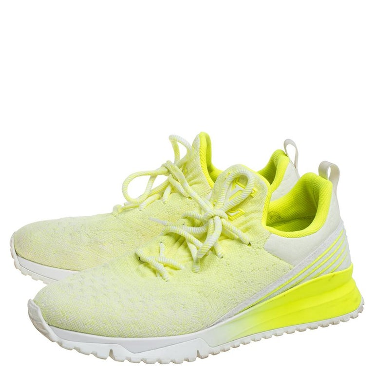 Men's Louis Vuitton Neon Yellow Knit Fabric V.N.R Sneakers Size 41 For Sale