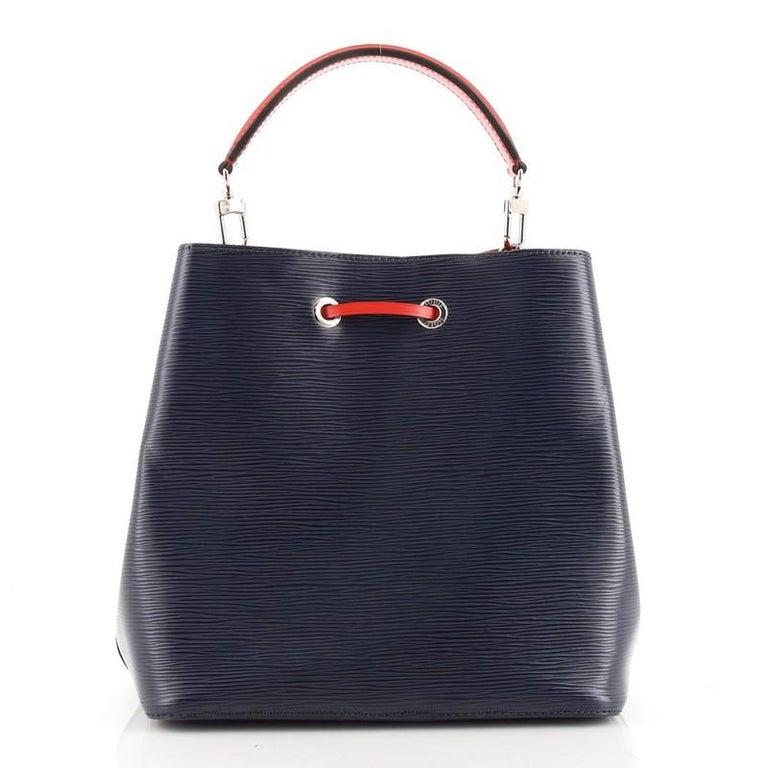 Black Louis Vuitton NeoNoe Handbag Epi Leather MM For Sale