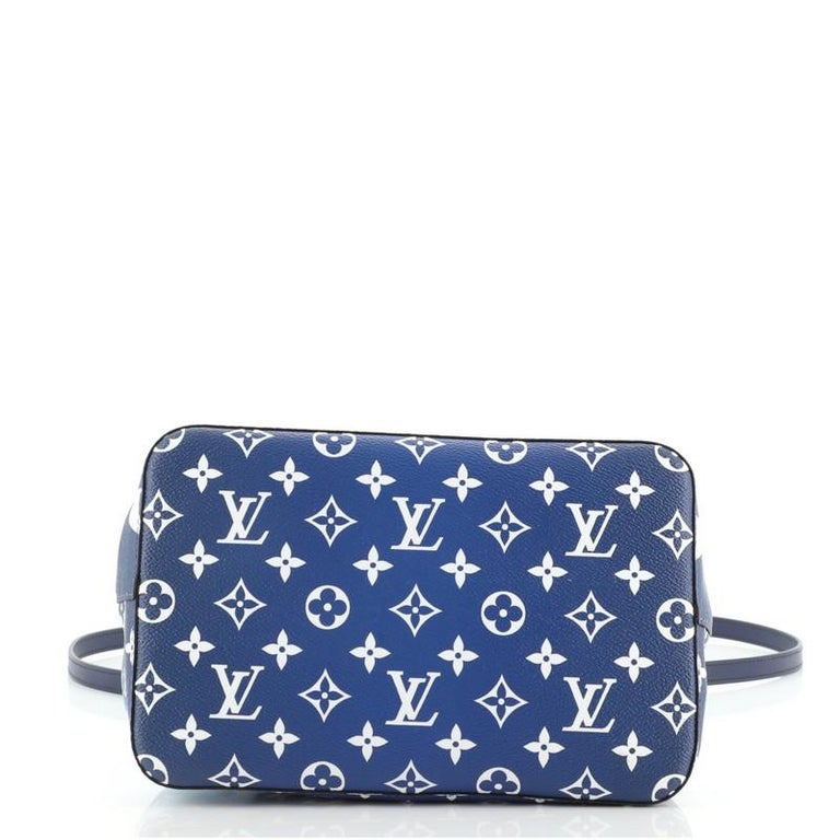Women's or Men's Louis Vuitton NeoNoe Handbag Limited Edition Escale Monogram Giant MM For Sale