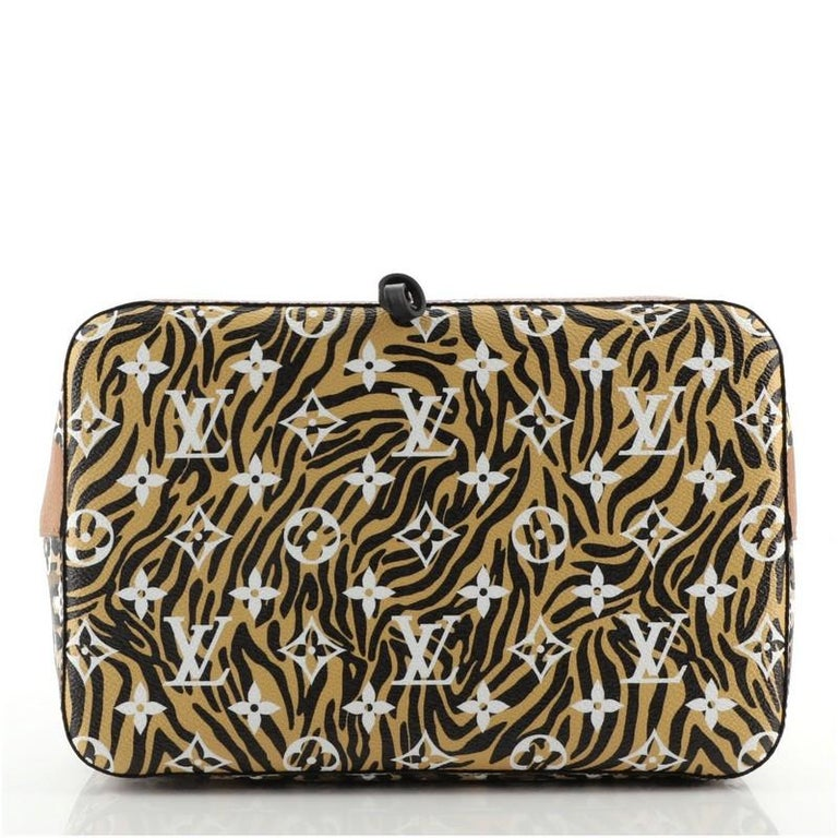 Louis Vuitton NeoNoe Handbag Limited Edition Jungle Monogram Giant For Sale 1