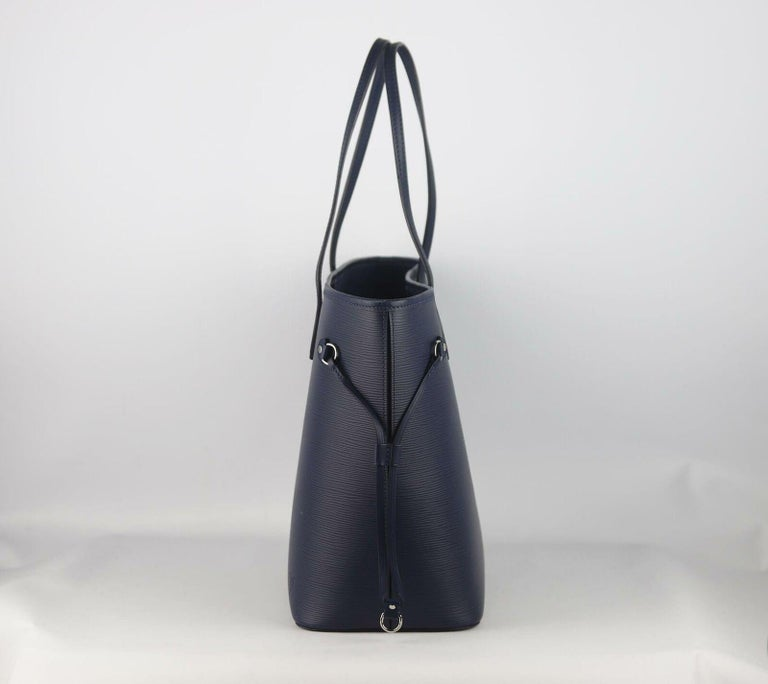 Black Louis Vuitton Neverfall MM Epi Leather Tote Bag For Sale
