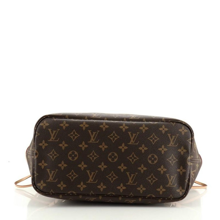 Women's or Men's Louis Vuitton Neverfull NM Tote Monogram Canvas MM For Sale