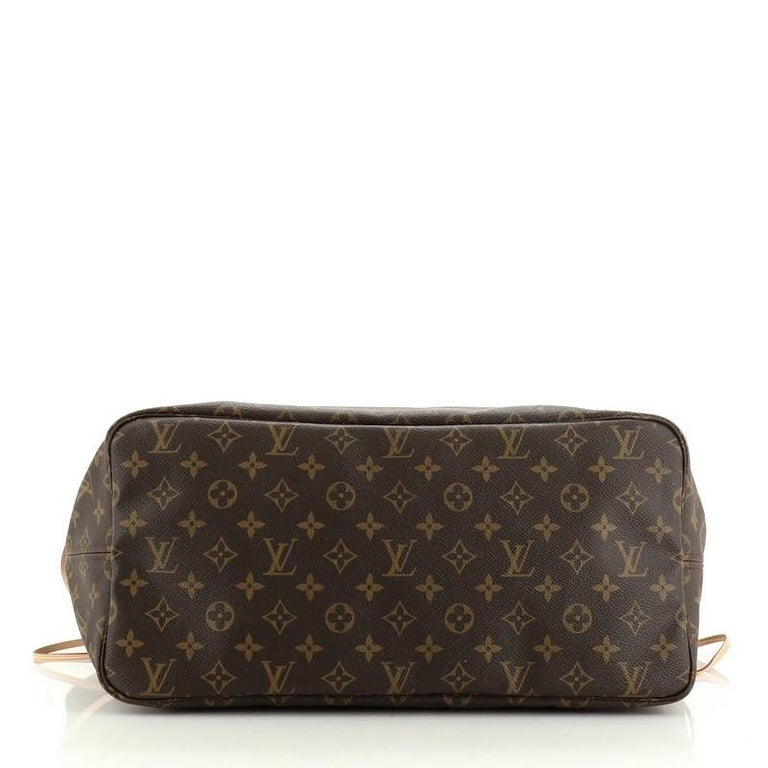 Women's or Men's Louis Vuitton Neverfull Tote Monogram Canvas GM For Sale