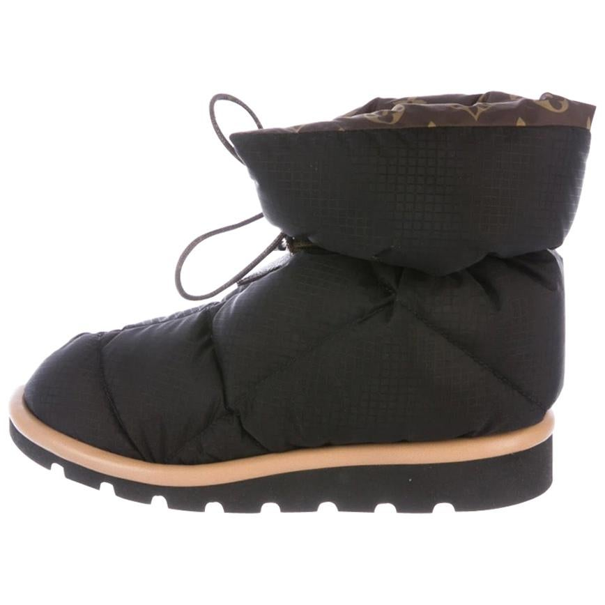 Louis Vuitton NEW Black Brown Monogram Lace Ankle Down Puff Boots in Box