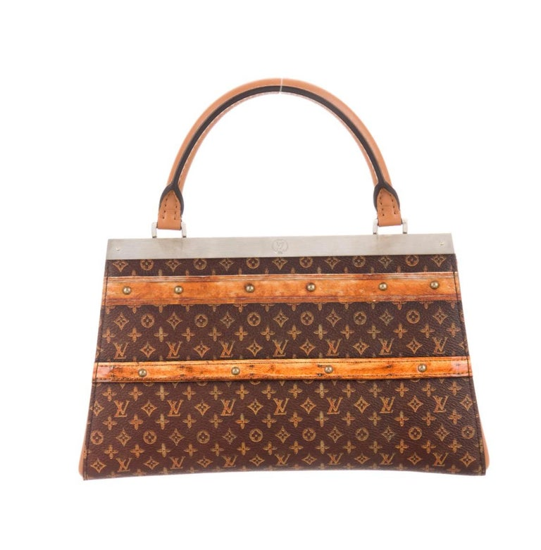 Louis Vuitton NEW Brown Cognac Trunk Top Handle Kelly Style Shoulder Bag in Box In New Condition For Sale In Chicago, IL