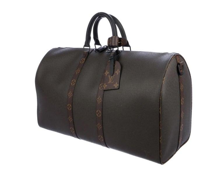 Leather Coated canvas  Ruthenium hardware Twill lining Zipper closure Handle drop 4