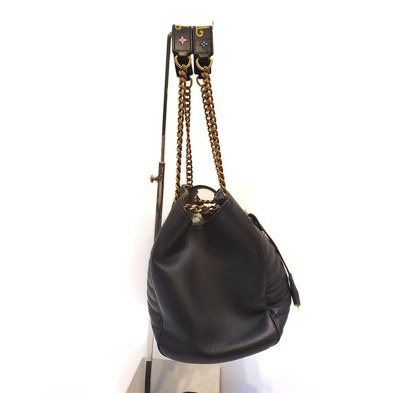 Women's Louis Vuitton New Wave Chain Black Quilted Tote Handbag For Sale