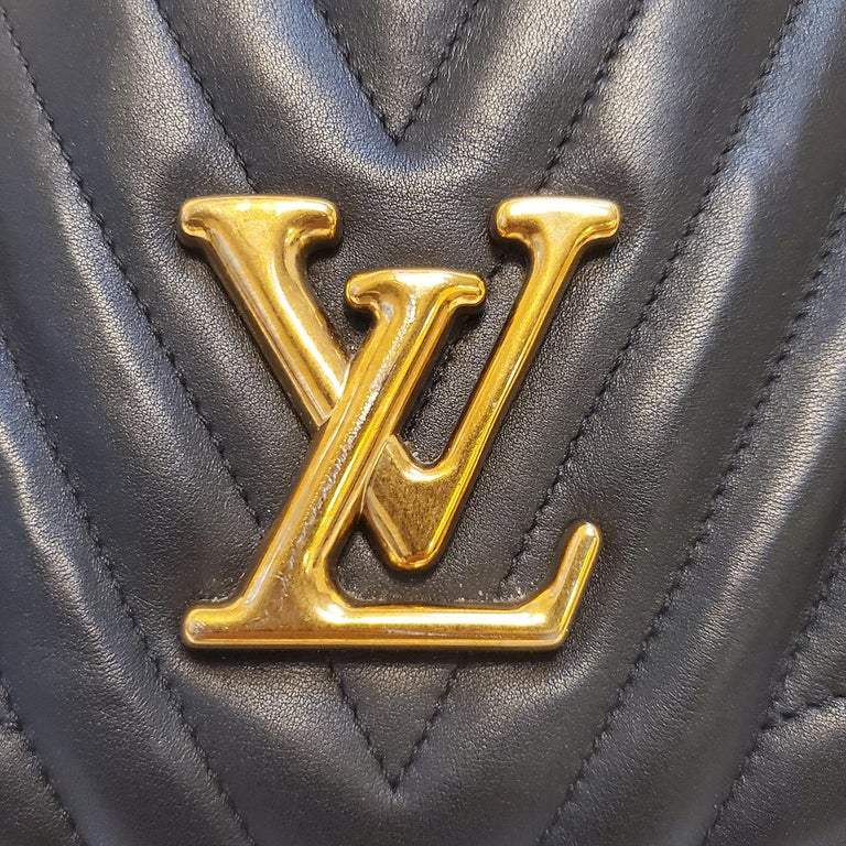 Louis Vuitton New Wave Chain Black Quilted Tote Handbag For Sale 1