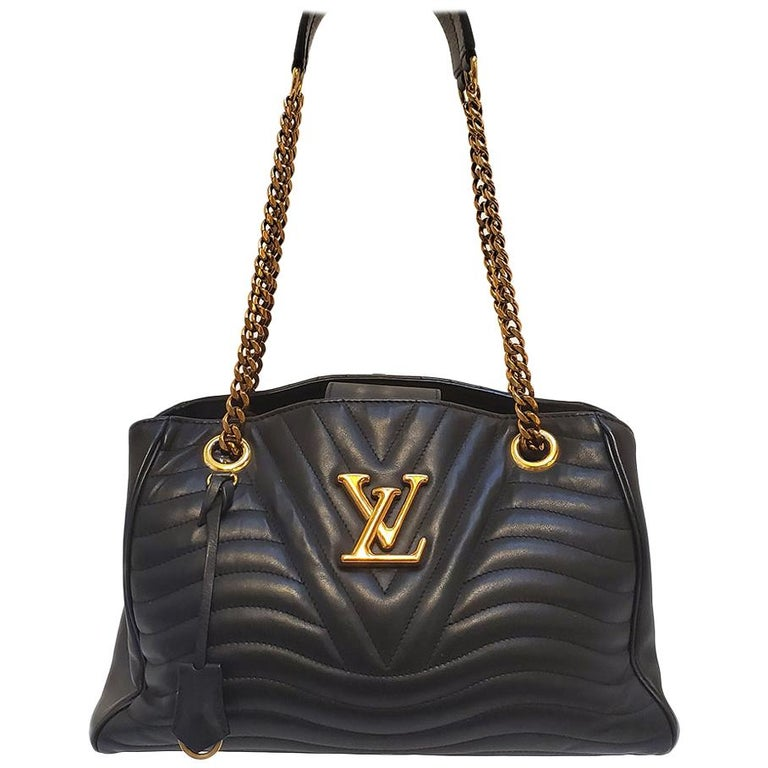 Louis Vuitton New Wave Chain Black Quilted Tote Handbag For Sale