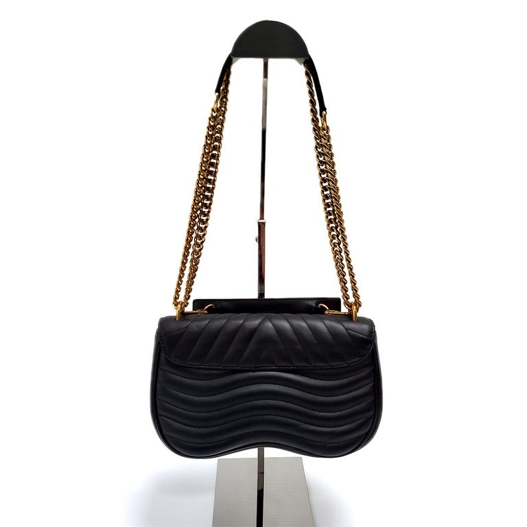 Louis Vuitton New Wave MM Black Hand Bag In Excellent Condition For Sale In Columbia, MO
