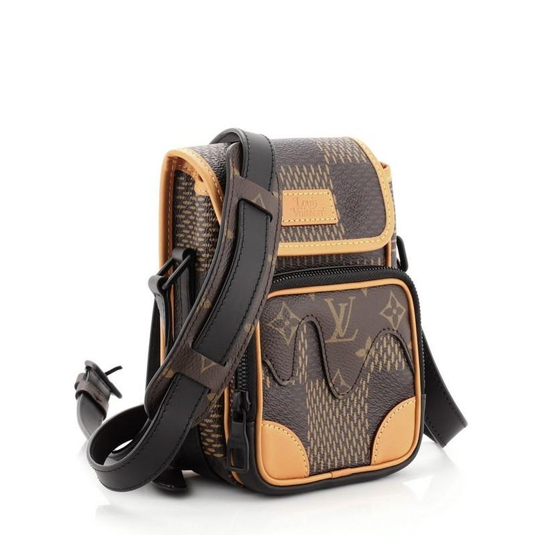 Louis Vuitton Nigo Amazone Sling Bag Limited Edition Giant Damier and Monnogram In Good Condition For Sale In New York, NY