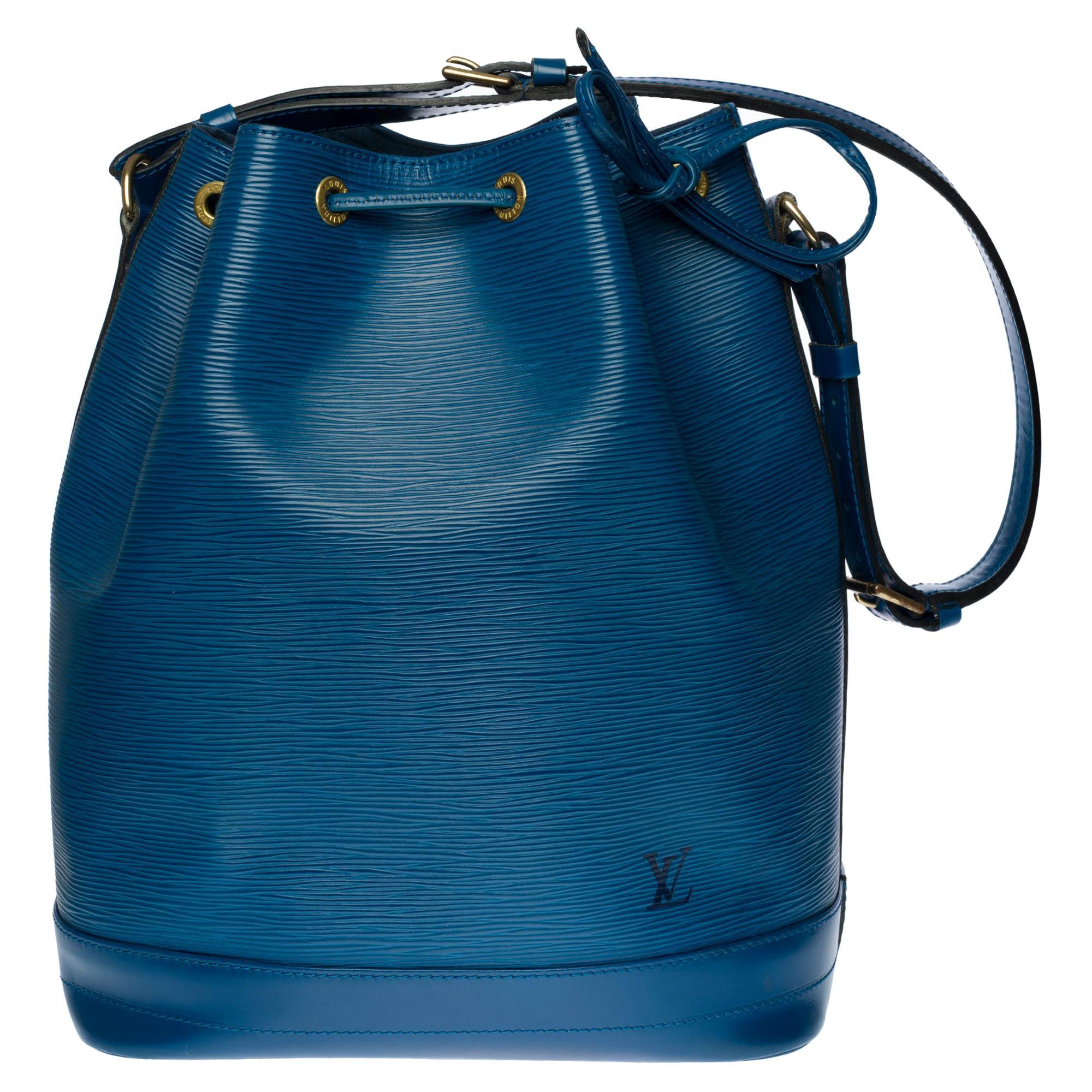 Louis Vuitton Noé Grand modele shoulder bag in blue epi leather, gold hardware