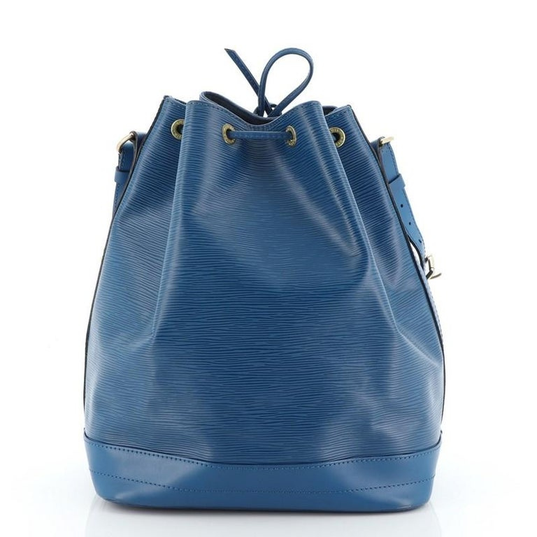 Louis Vuitton Noe Handbag Epi Leather Large In Good Condition For Sale In New York, NY