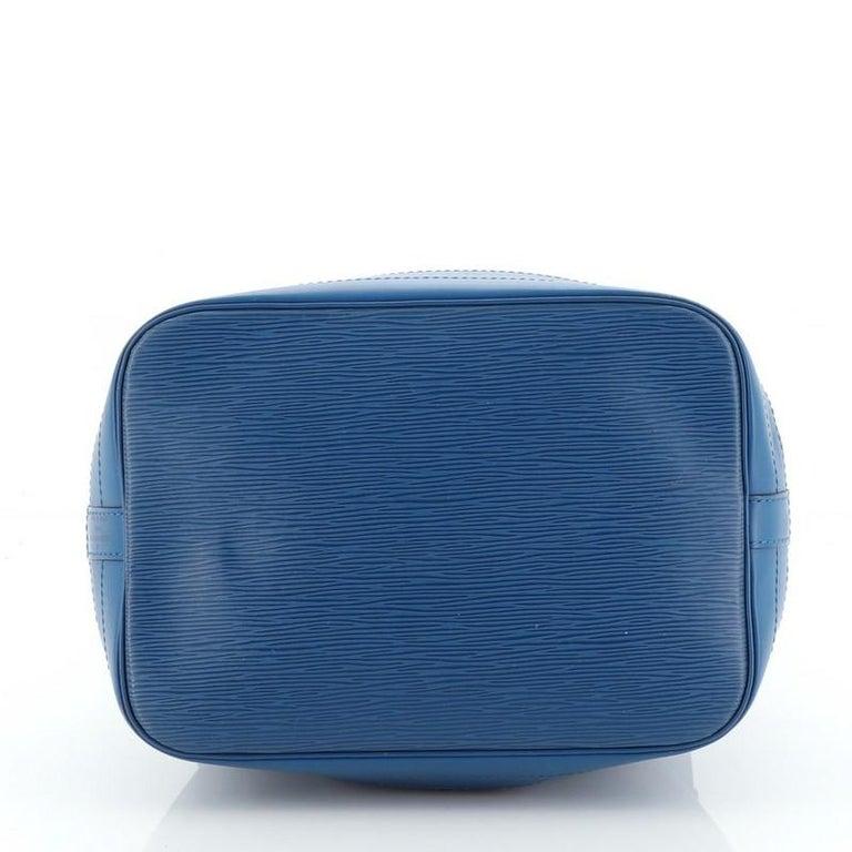 Women's or Men's Louis Vuitton Noe Handbag Epi Leather Large For Sale