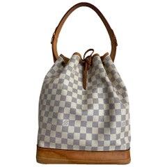Louis Vuitton, Noé in beige leather