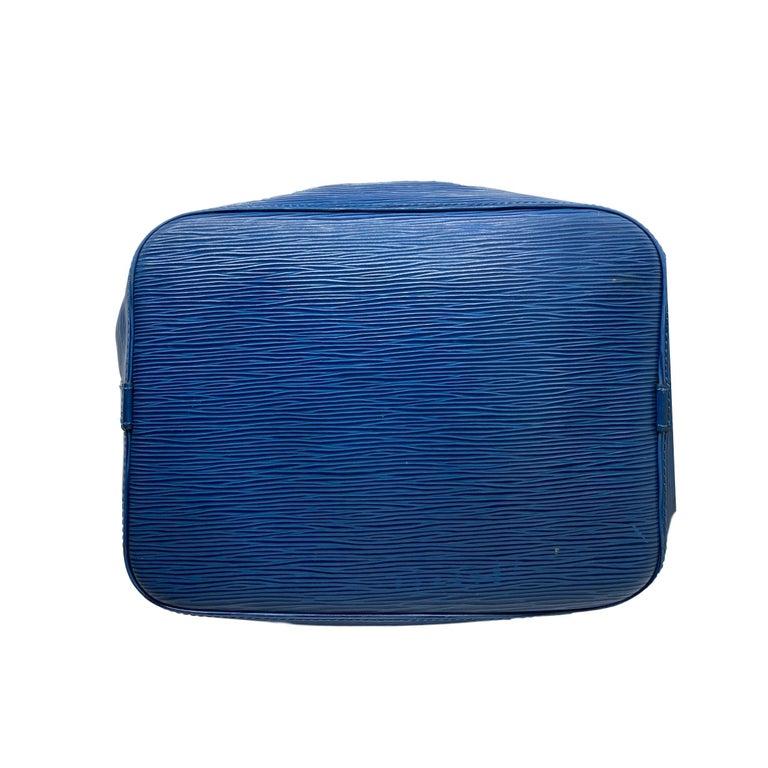 Louis Vuitton Noe PM Toledo Blue EPI Leather Bucket Bag, France 1992. 2