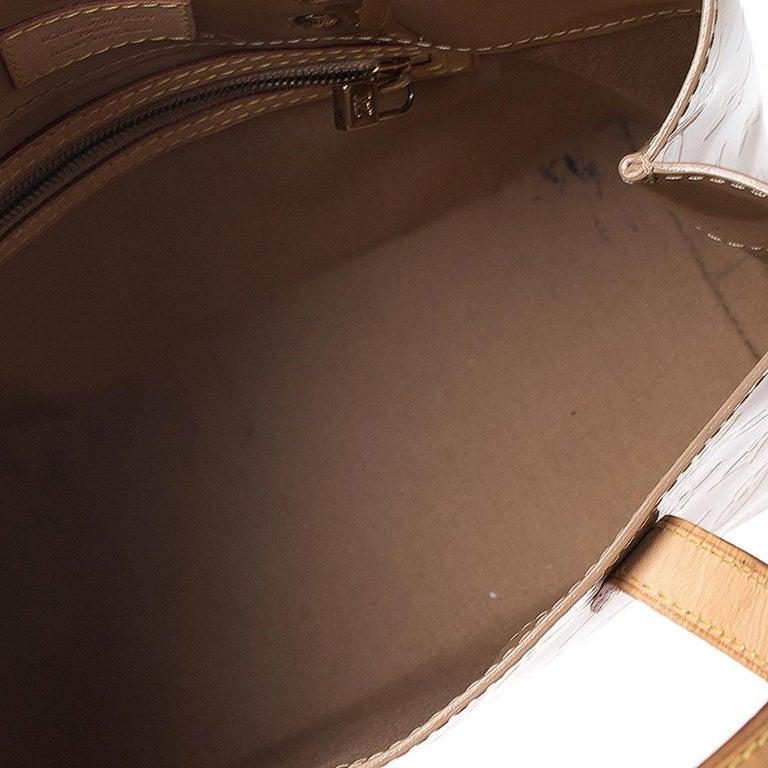 Louis Vuitton Noisette Vernis Reade PM Bag For Sale 6