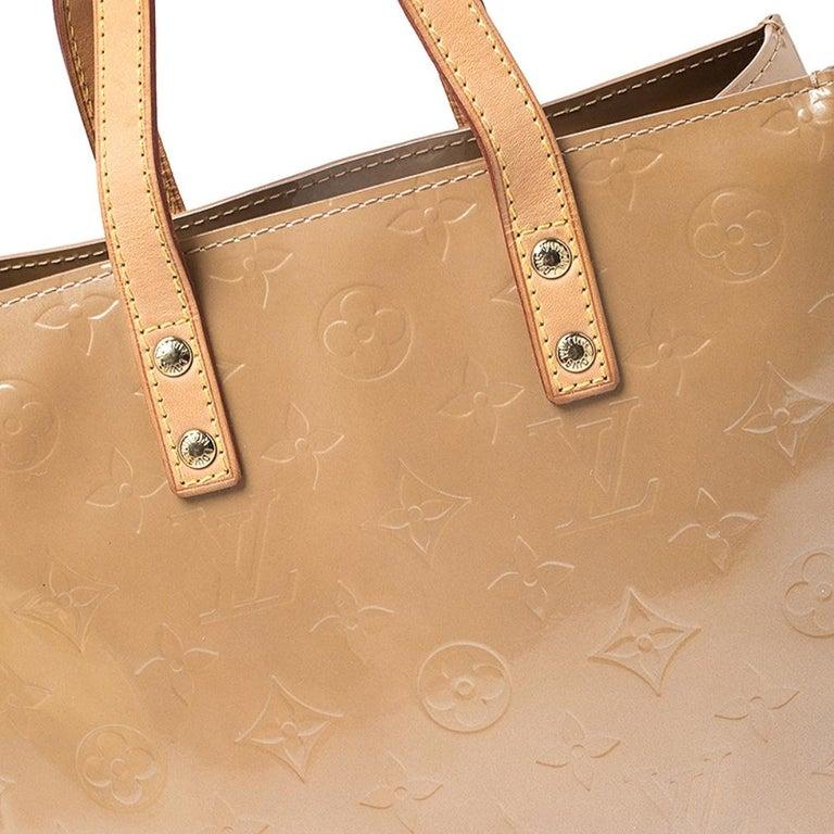 Louis Vuitton Noisette Vernis Reade PM Bag For Sale 7