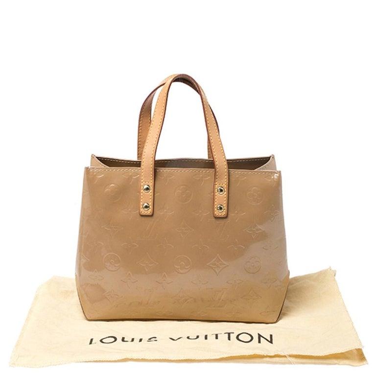 Louis Vuitton Noisette Vernis Reade PM Bag For Sale 8