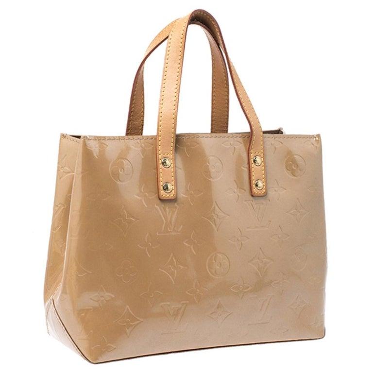 Women's Louis Vuitton Noisette Vernis Reade PM Bag For Sale