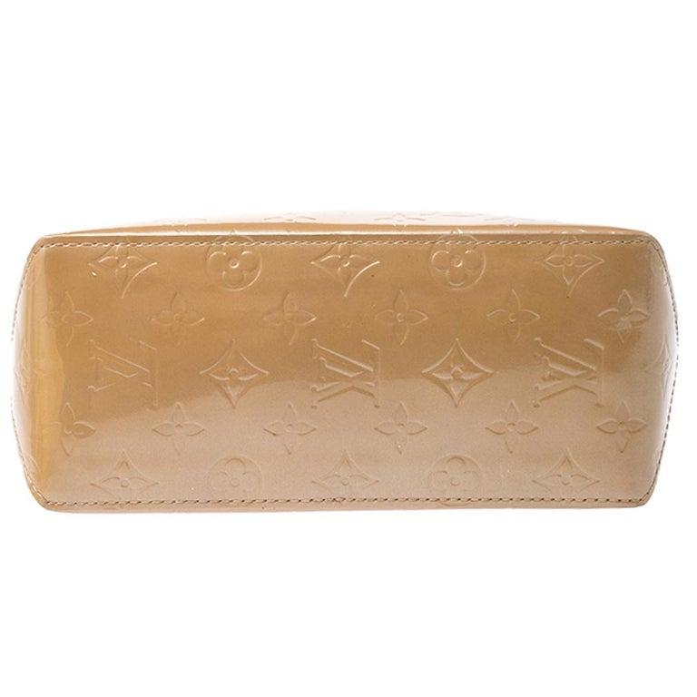 Louis Vuitton Noisette Vernis Reade PM Bag For Sale 1