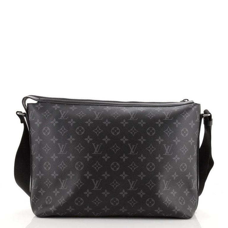 Louis Vuitton Odyssey Messenger Bag Monogram Eclipse Canvas MM In Good Condition For Sale In New York, NY
