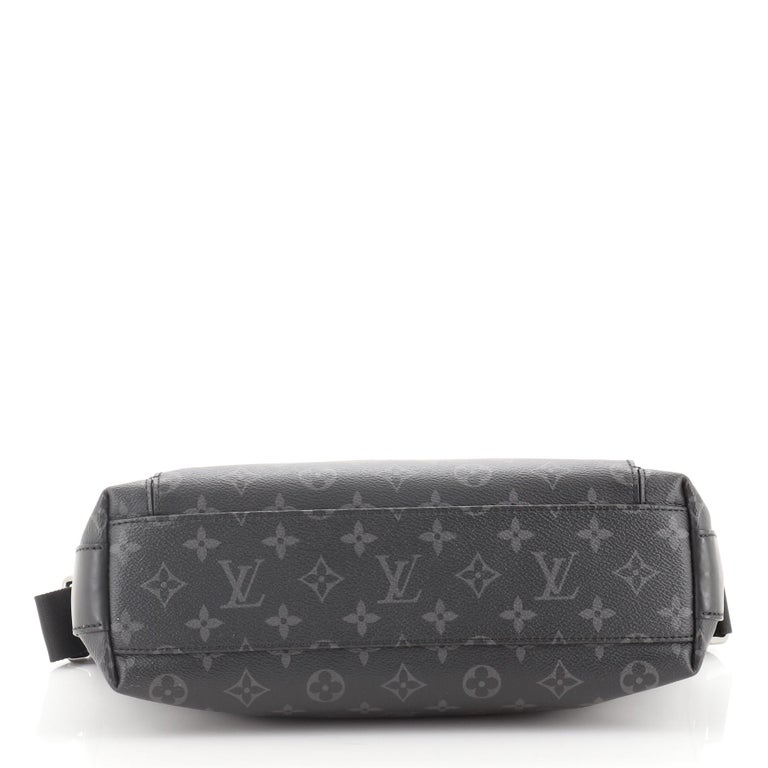 Louis Vuitton Odyssey Messenger MM In Good Condition For Sale In Irvine, CA