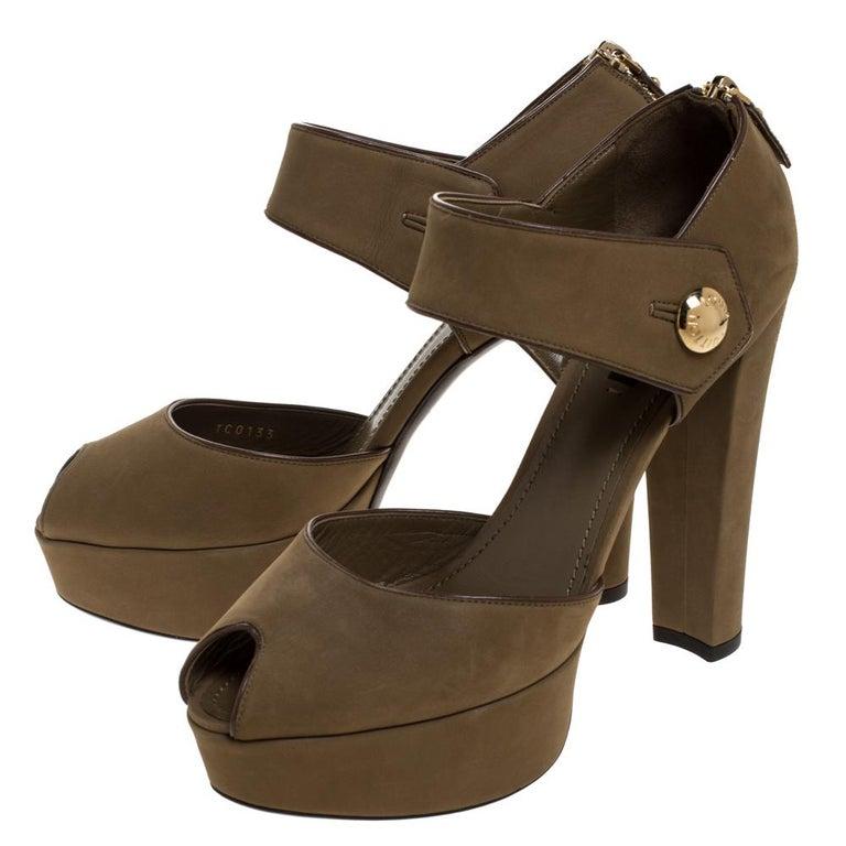 Louis Vuitton Olive Green Nubuck Leather Peep Toe Platform Sandals Size 40 For Sale 1