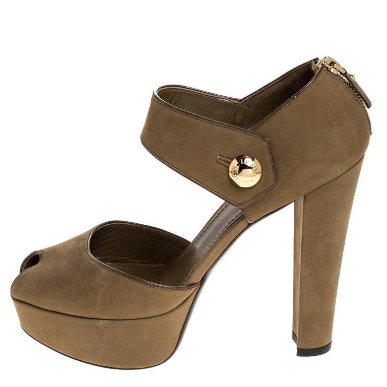 Louis Vuitton Olive Green Nubuck Leather Peep Toe Platform Sandals Size 40 For Sale