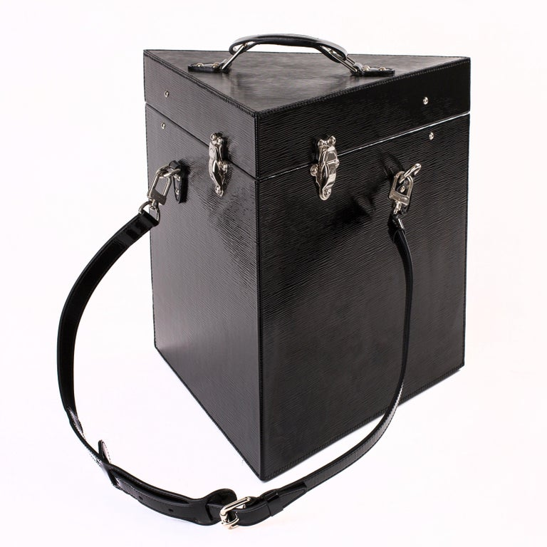 Contemporary Louis Vuitton One of a Kind Black Epi Leather Wine Case For Sale